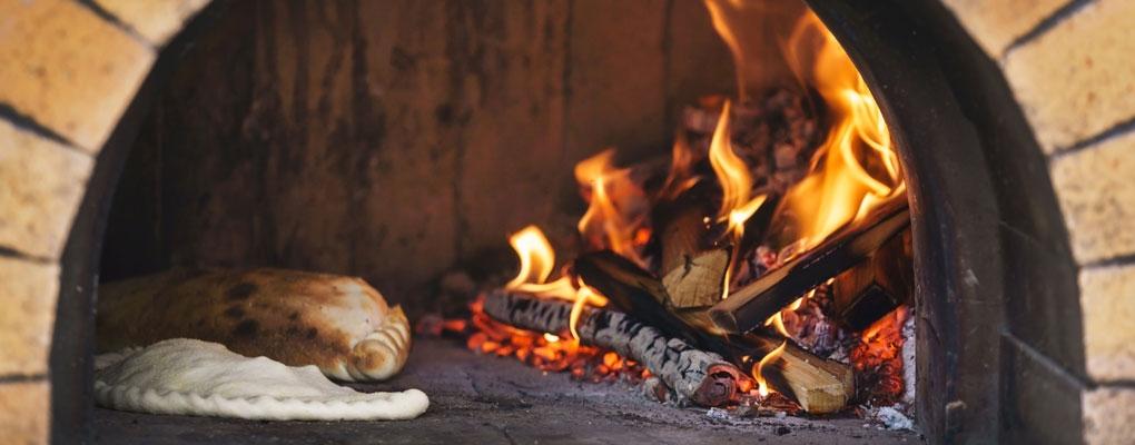 Pizzas cuites au feu de bois
